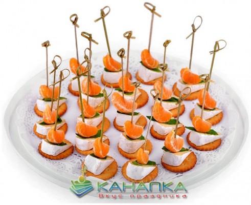 -с-сыром-камамбер-мятой-и-мандаринами-e1420815139942