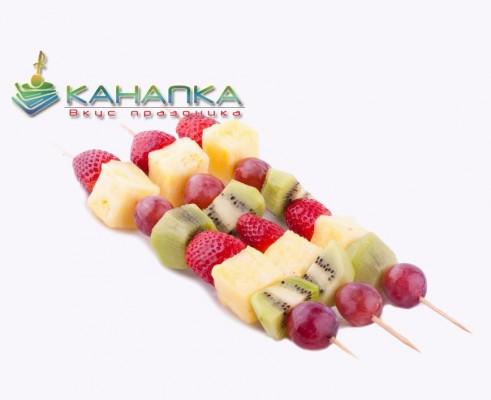 фрукты на шпажке