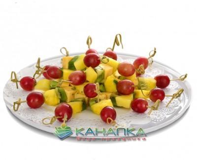 Kanape-set-s-syrom-i-fruktami