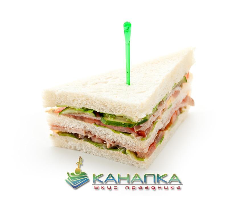 Снэк сэндвич с ветчиной и овощами