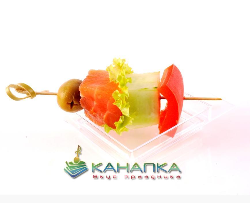 Канапе «Шпажка с лососем и овощами»