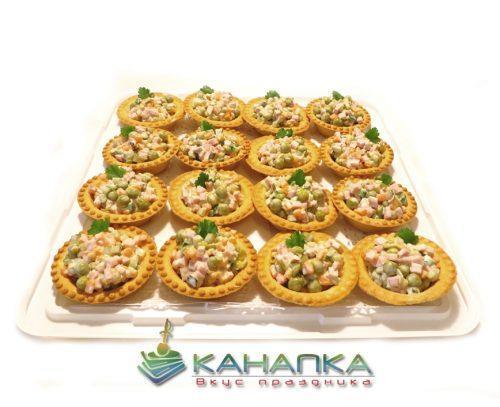 Тарталетки с салатом оливье