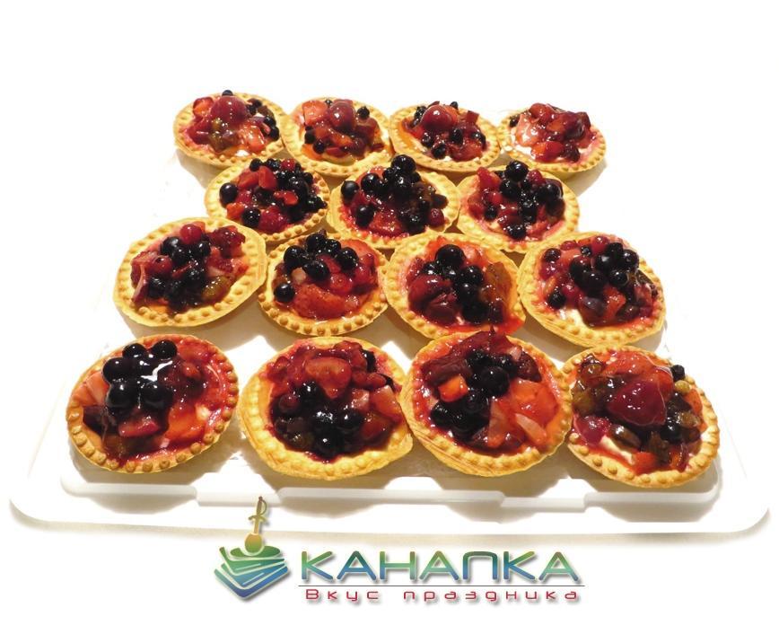 Тарталетка с ягодами и сливочным кремом — 15 шт.