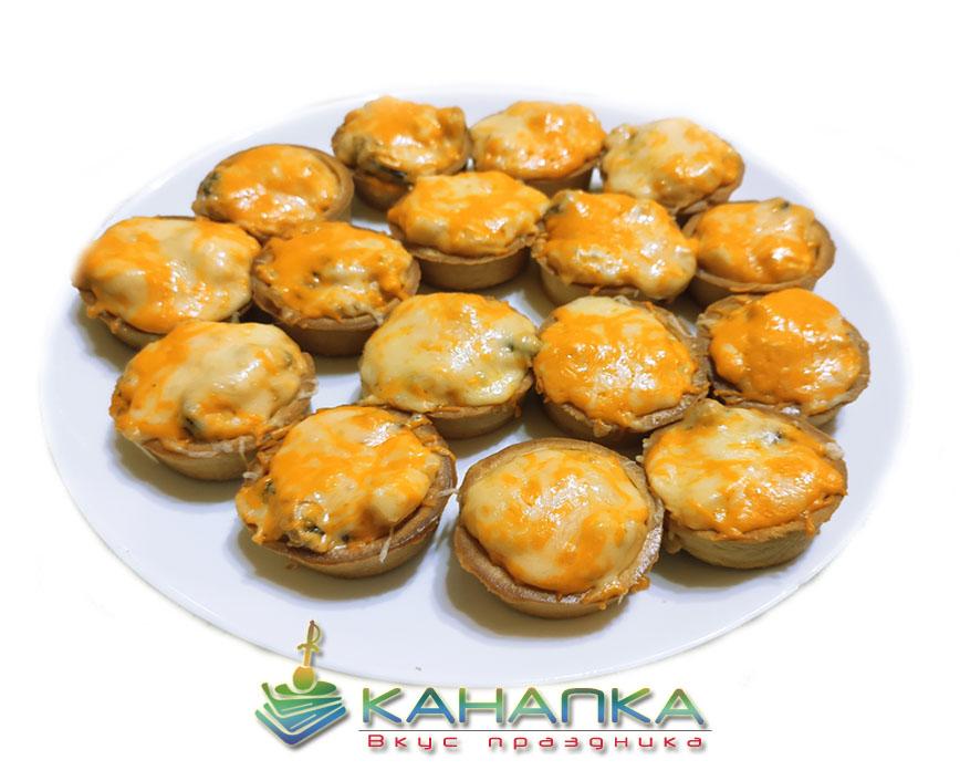 Тарталетка с кишем из ветчины, бекона, курицы и сыра — 16 шт.