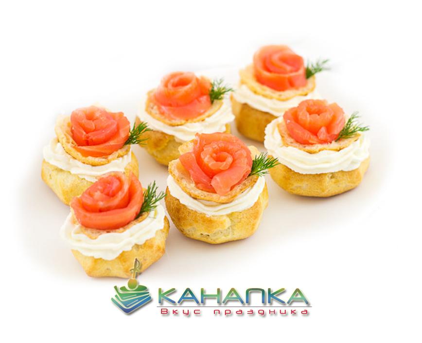 Профитроли со сливочным сыром и красной рыбой — 15 шт.