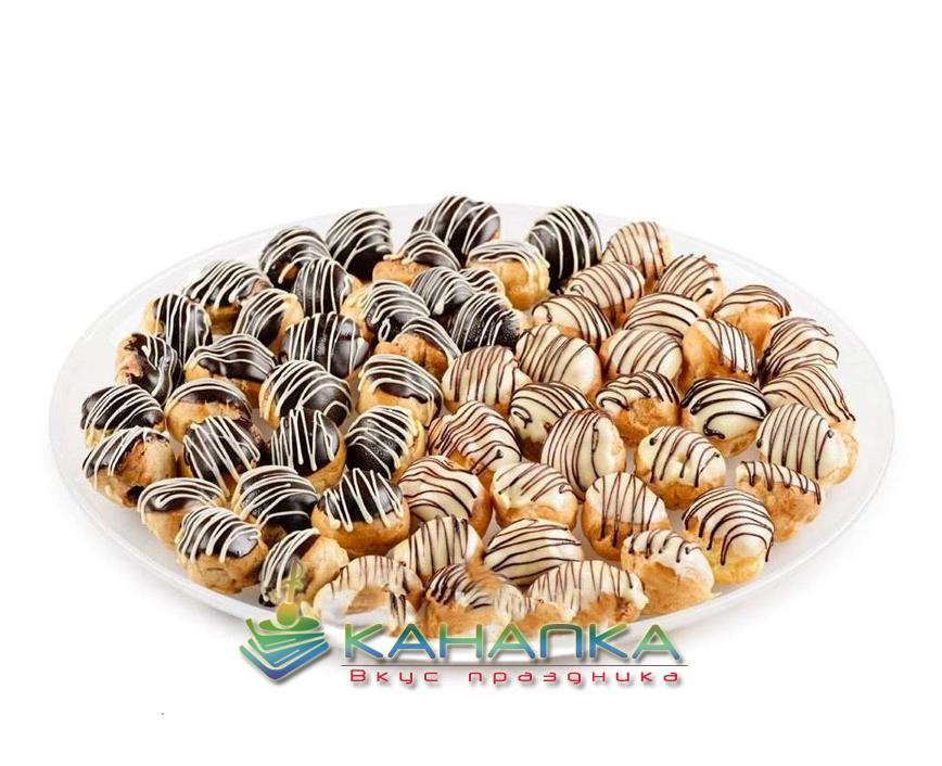 Ассорти эклеров в шоколадной глазури — 30 шт.